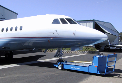 Towbarless Tugs JP30 & JP30L with Airplane